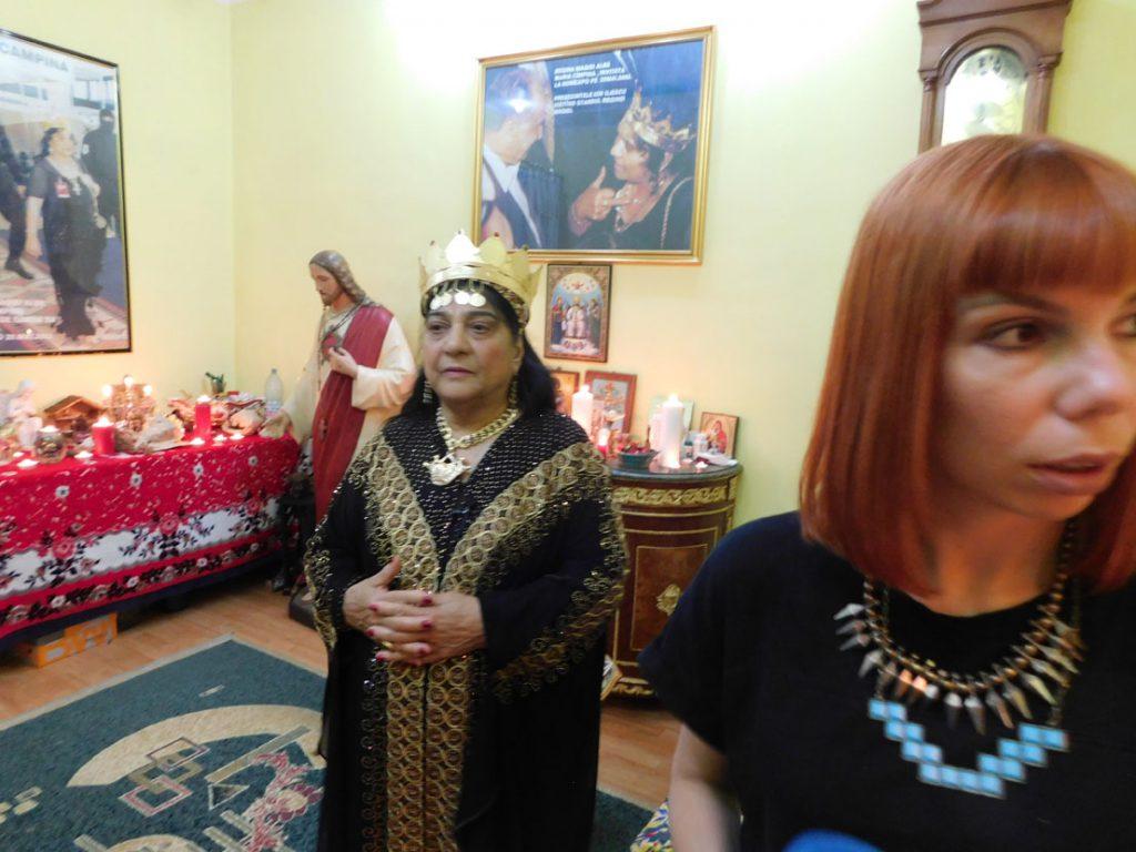 DSCN1384 Regina Magiei Albe Maria Câmpina