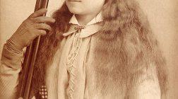 Annie Oakley, femeia admirată de Sitting Bull şi de kaiserul Wilhelm al II-lea