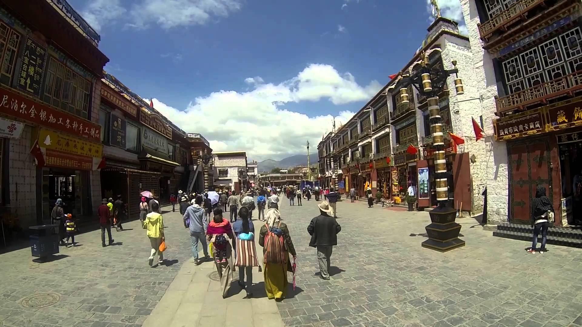 Muntele sacru Kailash din Tibet