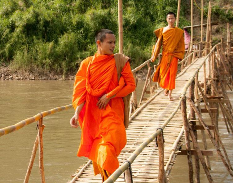 Povestire  cu doi călugări zen